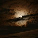 Wolken mit Mond 004 thumbnail