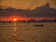 Ao Nang - Krabi -Thailand (alphachim) Tags: sunset sonnenuntergang boot longtailboat meer sea andamanensee outdoor panasonicg70 panasonic1260 lumix1260 aonang krabi thailand strand