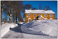 Den gamle banken (Krogen) Tags: norge norway norwegen akershus romerike nannestad krogen winter vinter fujifilmx100