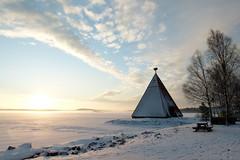 Båken (evisdotter) Tags: båk sunrise morning light winter snow fog dimma sun sunny nature sky clouds sjökvarteret slemmern mariehamn