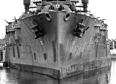 WW1 Battleship USS Texas (Mighty-T) (Dave Russell (1 million views thanks)) Tags: uss texas united staes ship vessel boat vehicle transport war warship battle battleship usn navy naval military moored mooring water marine maritime bb 35 bb35 hisotic history state park houston usa ww1 ww2 world one 1 two 2 bow view black white bw mono monochrome dreadnaught dreadnaut mighty
