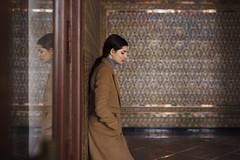 A solas, contigo (Tania Cervián) Tags: seleccionar woman portrait retrato abrigo coat brown winter feelings canon beauty reflejo reflection taniacervianphotography