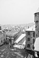 La Roche-Guyon DxoFP XT2 DSCF1083 (mich53 - thank you for your comments and 5M view) Tags: monochrome noirblanc blackwhite neige xt2 xf1655mmf28rlmwr larocheguyon valdoise château smow brume snow mist town schnee nebel dorf hiver saisons 4winter