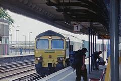 Eastleigh Station, 2004 (Ian D Nolan) Tags: railway eastleighstation station 35mm epsonperfectionv750scanner class66 66502