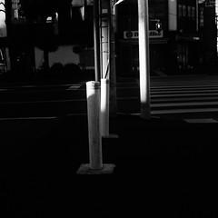 車止め (frenchvalve) Tags: 交差点 車止め film monochrome bw zeissikon superikonta 53016 tessar 28mm f28 fujifilm acros100