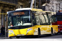 AUTOBÚS 1804-GJS 481 de TUSGSAL i GRUA RENAULT (3873 BZF) (Yeagov_Cat) Tags: autobús tusgsal 1804gjs transportsurbansiserveisgeneralssocietatanònimalaboral scanianxx0ub4x2ebcastrosuacs40versus grua renault 3873bzf 2018 barcelona catalunya