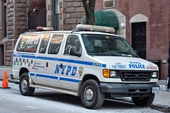 NYPD - Recruit 8875 (Arthur Lombard) Tags: nypd police policedepartment policecar ford forde350 nikon nikond7200 emergency newyork usa 911 999 112 17 bluelight lightbar