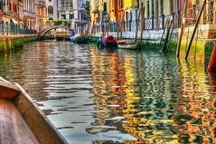 * Osservazioni Veneziane: Il trionfo dei riflessi ! * (argia world 1) Tags: venezia venice canale canal acqua water barche boats ponte bridge edifici buildings città town riflessi reflections
