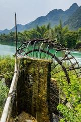 Zalévat se musí (zcesty) Tags: řeka vodníkolo vietnam20 skála hora vietnam dosvěta caobằng vn