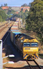 NR99 AN3 and NR58 speed BM4 through Metford (bukk05) Tags: nr99 an3 nrclass nr anclass bm4 metford railpage:class=37 railpage:loco=nr99 rpaunrclass rpaunrclassnr99 wagons explore export engine emd electromotivediesel railway railroad railpage rp3 rail railwaystation railwaystations train tracks tamron tamron16300 photograph photo pn pacificnational loco locomotive horsepower hp ge ge7fdl16 flickr freight diesel station standardgauge sg spring 2017 australia artc canon60d canon cv409i container clyde clydeengineering nationalrail nsw newsouthwales newcastle cityofnewcastle huntervalley hunter jt46c emd16710g3a