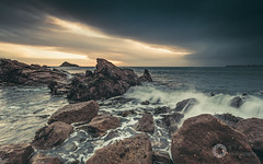 A Storm Approaches (RTA Photography) Tags: rtaphotography meadfootbeach torquay torbay devon southdevon seascape rocks waves nature sea morning sunrise dawn storm clouds light outdoors nikond750 nikkor1835