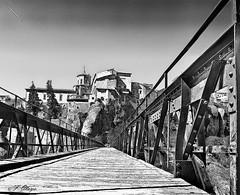 """Puente de San Pablo. - Bridge of San Pablo. (frank olayag) Tags: puente cuenca españa frankolaya monocromo nikon madera metal arquitectura perspectiva monumentos """"nikonflickrawardgold"""""""