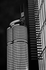Millenium Tower (heinzkren) Tags: wien vienna austria schwarzweis blackandwhite bw sw monochrome architektur architecture urban building gebäude turm tower skyscraper hochhaus officetower canon powershot bürogebäude