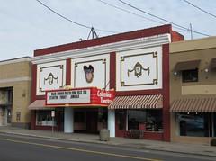 St. Helens, Oregon (Jasperdo) Tags: sthelens oregon roadtrip columbiatheatre movietheater cinema theater theatre building architecture