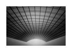 Tunnelblick (W.Utsch) Tags: leica bnw minimalism abstract blackandwhite