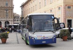 ATP 4525 (Lu_Pi) Tags: genova atpgenova atp autobus bus autobusextraurbano bredamenarinibus bmb lander metano veicoloametano piazzadeferrari atpesercizio