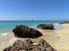 Fuerteventura (Roberto Marinoni) Tags: fuerteventura canarie isolecanarie canaryislands spagna spain oceano oceanoatlantico ocean atlanticoean sea butihondo playadebutihondo acqua water rocce stones sabbia sands