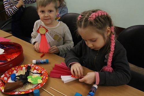 Мастер-класс по изготовлению масленичной куклы (10)
