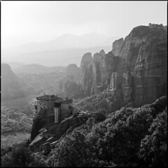 Another variation on Meteora (BG Sixtyniner) Tags: greece hellas ellada thessalia meteora kalambaka hills clifs monastery grandmeteoron easternorthodox rocks mountain sunset landscape square format 120 roll film analog 6x6 hasselblad 500cm carlzeiss planar f28 80mm redfilter kodak tmx tmax 100 rodinal standev 175 r09 vuescan canoscan9000f