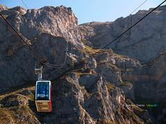Teleférico de Fuente Dé (josé luis Zueras) Tags: fuente dé fuentedé cantabria españa picosdeeuropa montañas picos teleférico joséluiszueras olympuse500 naruraleza paisajes