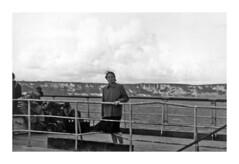 Dover - settembre 1952 (67-34) (dindolina) Tags: fotografia photo blackandwhite bw biancoenero monochrome monocromo marialaviniabovelli mare sea barca boat nave dover inghilterra england family famiglia history storia 1952 1950s fifties vintage annicinquanta vacation vacanze viaggio