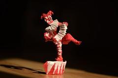 Clown by Miyamoto Chuya (Nikita Vasiliev) Tags: origami origamiart paperart paper miyamotochuya clown colorchange stage human