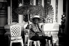 The smiling lady and the umbrella... Street photography in Bangkok Thailand (Ib photography uk) Tags: people peoplephotography person women woman lady streetphotography bangkok thailand asia travel travelphotography traveling traveljournalism journalism holiday sonycameras sonycamera sony sonyuk sonyimaging sonypictures sonycambodia sonythailand ibphotographyuk ibphotography buxz777 blackandwhite blackandwhitenaturallight blackandwhitephotography blackandwhitepeople blackandwhiteperson streetseller smile happy life lifestyles lifestyle sonyrx100 rx100 umbrella capturethemoment