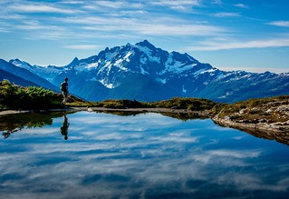 Even though it's still snowing I know spring is on its way and soon I'll be getting gorgeous summer hikes in like this one! You can tell I really like hiking in the North Cascades. This is what Mt Shuksan looks like in the warmer months