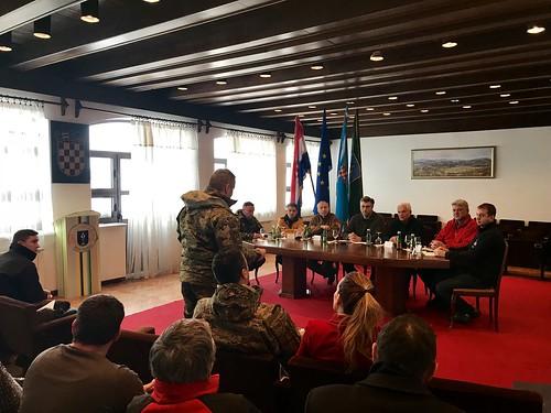 Predsjednik Vlade Andrej Plenković na sastanku Kriznog stožera Grada Delnica