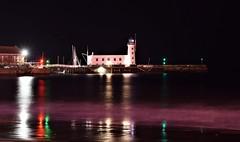 Scarborough - Lighthouse - Night (Paul Thackray) Tags: yorkshire northyorkshire scarborough lighthouse sea night