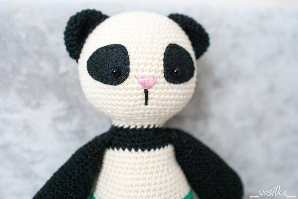 Tiny amigurumi panda / crocheted mini panda / little panda / | Etsy | 685x1023