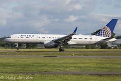 N14121 Boeing 757-200 United Airlines Glasgow airport EGPF 17.06-17 (rjonsen) Tags: plane airplane aircraft aviation tuchdown landing star alliance runway airside