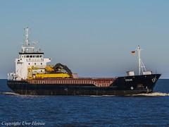 Titran (U. Heinze) Tags: cuxhaven elbe nordsee ship schiff schiffe vessel boot olympus