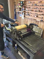 Edgar on the Vandercook (artnoose) Tags: vandercook edgar lesson class letterpress berkeley