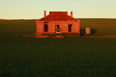 Forgotten Years (Darren Schiller) Tags: burra midnorthsouthaustralia midnightoil abandoned australia architecture building derelict disused decaying deserted dilapidated empty farmhouse farming rural history heritage old rustic rusty sunset southaustralia