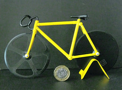 March 3rd, 2018 Pizza cutter (karenblakeman) Tags: pizzacutter bicycle yellow sunnyyellow smileonsaturday 2018 march uk poundcoin 2018pad