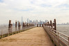 y al sur, la libertad (negrinmata) Tags: nuevayork manhattan canoneos100d gaviotas seagull pier embarcadero