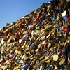 Love Locks (Aurélien Parizet) Tags: amour paris streetphotography ville cadenas lovelocks lovers love romantique romantic summer été couple couples amoureux pont neuf iledelacite pontdesarts