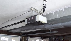 Lift Master Garage Door Opener (QuietHut) Tags: lift master 12 hp garage door opener chain drive motor string pull plug