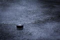 Drömmar om utehockey (MagnusBengtsson) Tags: skånelän sverige se puck is ice fotosondag vintersport fs180218