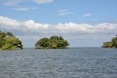 Lago de Nicaragua (Las Isletas) (zug55) Tags: lagodenicaragua lakenicaragua lagonicaragua lago lake lagococibolca lakecocibolca cocibolca nicaragua mardulce granlago granlagodulce lagodegranada granada lasisletas