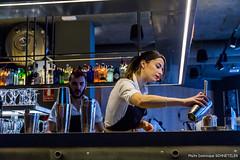Barmaid (dominique schnetzler) Tags: dominiqueschnetzler zaragoza aragón espagne es barmaid woman cocktail bar