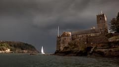 Dartmouth Castle (L I C H T B I L D E R) Tags: england dartmouth dartmouthcastle castle burg küste coast sailboat segelboot storm sky himmel sturm clouds wolken devon warfleet bucht bay sailor ship dartriver nationaltrust