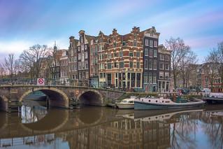 Sunrise over Papiermolensluis, Amsterdam