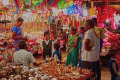 Street photography  /  shopping (Rajavelu1) Tags: streetphotography candidstreetphotography streetscenes people colours art creative india