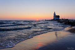 Cold Sunrise (Johan Konz) Tags: winter sunrise lighthouse paardvanmarken sea water beach sky marken markermeer netherlands outdoor nikon d7500