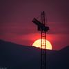 Construyendo el mañana. (Eugercios) Tags: sunset atardecer pôrdosol grua crane hoist tow santiago santiagodechile chile sun sol sole orange naranja construction construccion