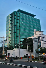 Graha MR21 (Everyone Sinks Starco (using album)) Tags: jakarta building gedung architecture arsitektur office kantor