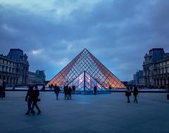 la pyramide du Louvre (flrent) Tags: dawn pyramide du louvre carousel paris musee museum night evening france