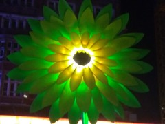 UK - London - Lumiere 2018 - Westminster - Leicester Square (JulesFoto) Tags: uk england london lumiere2018 lightinstallation artwork westminster leicestersquare flower